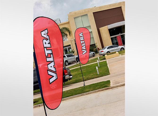 Lanzamiento tractores VALTRA AR